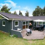 Hotel Pictures: Four-Bedroom Holiday home in Asnæs 1, Asnæs