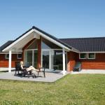 Hotel Pictures: Four-Bedroom Holiday home in Brovst 2, Brovst