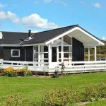 Hotel Pictures: Three-Bedroom Holiday home in Hemmet 48, Falen