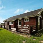 Hotel Pictures: Three-Bedroom Holiday home in Gilleleje 10, Gilleleje