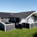 Hotel Pictures: Four-Bedroom Holiday home in Hirtshals 1, Hirtshals