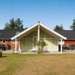 Four-Bedroom Holiday home in Rødby 5, Kramnitse
