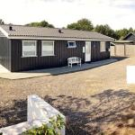Two-Bedroom Holiday home in Sjællands Odde 2, Yderby