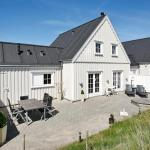 Three-Bedroom Holiday home in Blokhus 12, Blokhus