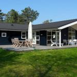 Hotel Pictures: Three-Bedroom Holiday home in Jægerspris 5, Jægerspris