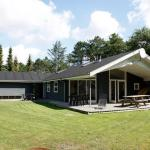 Four-Bedroom Holiday home in Hals 14, Hals