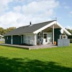 Hotel Pictures: Three-Bedroom Holiday home in Hadsund 31, Nørre Hurup