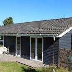 Hotel Pictures: Two-Bedroom Holiday home in Slagelse 9, Lille Kongsmark