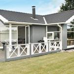 Three-Bedroom Holiday home in Rødvig Stevns 3, Rødvig