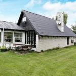 Hotel Pictures: Three-Bedroom Holiday home in Rødby 31, Kramnitse