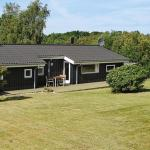 Three-Bedroom Holiday home in Glesborg 49,  Bønnerup