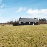 Hotel Pictures: Three-Bedroom Holiday home in Tarm 11, Hemmet