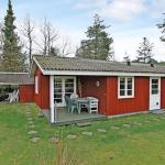 Two-Bedroom Holiday home in Væggerløse 39, Bøtø By