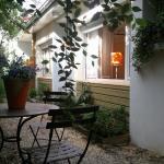 Hotel Pictures: Chambre D'Hotes Au Coquelicot, Soucieu-en-Jarrest