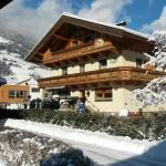 Hotel Pictures: Landhaus Egger, Ramsau im Zillertal