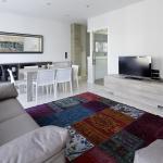 Gros Beach Apartment by FeelFree Rentals,  San Sebastián