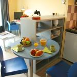 Hotel Pictures: Grand Bleu Vacances – Résidence l'Oliveraie – Montpellier Sud Lattes, Lattes