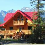 Hotel Pictures: TimberWolf Lodge-B&B, Tete Jaune Cache