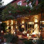 Hotel Pictures: Auberge Du Paradis, Saint-Amour-Bellevue