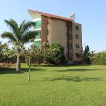 Sky Beach Hotel,  Lyamutundwe