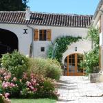 Hotel Pictures: Relais du Silence le Relais de Saint Preuil, Saint-Preuil