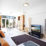 Bondi Beach Breeze - A Bondi Beach Holiday Home, Sydney