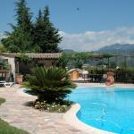 Hotel Pictures: Gite Mireille, Carros