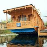 New Peony Houseboat, Srinagar