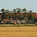 Hotel Pictures: Landhotel Alte Schule - Hotel Garni, Wangerland