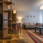 Library Apartment, Bucharest