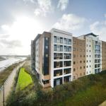 Hotel Pictures: Newport Student Village (Campus Accommodation), Newport