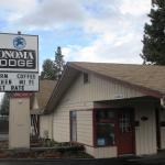 Sonoma Lodge,  Bend
