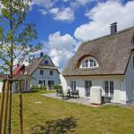Hotel Pictures: Ferienhaus Hus Hanbutt, Glowe