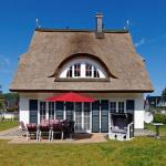 Hotel Pictures: Ferienhaus Reethaus Romy, Glowe