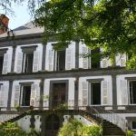 Hotel Pictures: Chambres d'hôtes Manoir de la Manantie, Lezoux