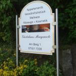 Hotel Pictures: Gästehaus Margarete, Owingen