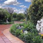 Hotel Pictures: Tranquil Gardens Bairnsdale, Bairnsdale