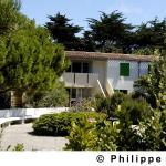 Hotel Pictures: VVF Villages Ars-En-Re, Ars-en-Ré