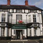 The Queens Hotel, Chirk