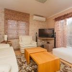 Hotel Pictures: Guesthouse Zaninović, Split