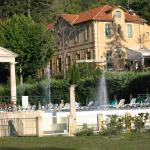 Hotel Pictures: Au Château Près Du Ventoux Iv, Montbrun-les-Bains