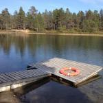 Hotel Pictures: Peuralammen Camping, Sevettijärvi