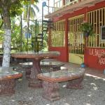 Hotel Pictures: La Ballena Roja Guest House and Cafe, Uvita