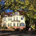 Hotel Pictures: Ferienwohnung Stadtvilla Neuruppin, Neuruppin