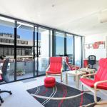 Spacious Seaviews - StayCentral, Melbourne
