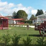Hotel Pictures: Le domaine Du Rossignon, Casteljaloux