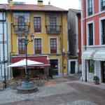 Hotel Pictures: Apartamentos Plaza Mayor, Llanes