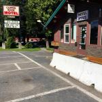 Hotel Pictures: Copper River Motel, Terrace