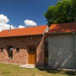 Lake House, Kościan