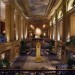 Hilton Chicago,  Chicago
